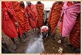 3.東非獵奇行-肯亞-馬賽人村落:_MG_0007肯亞_馬賽人村落_鑽木取火示範.JPG