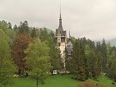 羅馬尼亞_布拉索夫_布朗城堡-吸血鬼的故鄉 :DSC03013羅馬尼亞_往希奈亞途中再回視布朗城堡景緻.JPG