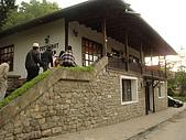 保加利亞_維利克塔爾諾波VELIKO TARNOVO古城:DSC03182保加利亞_在Arbanasi用晚餐景緻.JPG