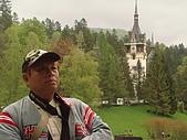 羅馬尼亞_布拉索夫_布朗城堡-吸血鬼的故鄉 :DSC03014羅馬尼亞_往希奈亞途中再回視布朗城堡景緻.JPG