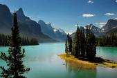 世界上最迷人的50個地方,你去過嗎?來看看!:加拿大阿爾比省精靈島瑪琳湖.jpg
