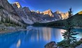世界上最迷人的50個地方,你去過嗎?來看看!:加拿大阿爾伯塔省冰磧湖的十峰穀.jpg