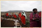 3.東非獵奇行-肯亞-馬賽人村落:_MG_0014肯亞_馬賽人村落_地攤販售馬賽人飾物紀念物.jpg