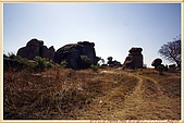 12.東非獵奇行-辛巴威_首都哈拉雷-平衡石公園:_MG_3323辛巴威_首都哈拉雷-平衡石公園.jpg