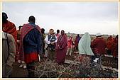 3.東非獵奇行-肯亞-馬賽人村落:_MG_0020肯亞_馬賽人村落_地攤販售馬賽人飾物紀念物.jpg