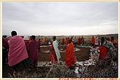 3.東非獵奇行-肯亞-馬賽人村落:_MG_0022肯亞_馬賽人村落_地攤販售馬賽人飾物紀念物.jpg