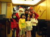 2009聖誕活動之老公公來囉:1073220088.jpg