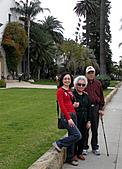 妹妹二零零九年元月來洛杉磯之旅:爸爸媽媽和妹妹2009年一月攝於聖塔芭芭拉_7.jpg