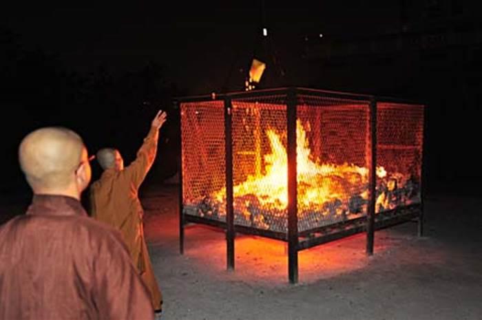 Kết quả hình ảnh cho hỏa táng