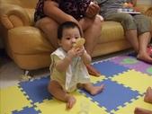 綸與祐一起吃餅乾玩玩具980719:1257765803.jpg