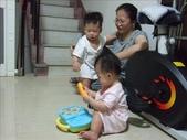 綸綸與妮寶搶玩具980804:1671378027.jpg