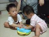 綸綸與妮寶搶玩具980804:1671378032.jpg