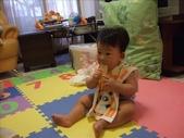 綸與祐一起吃餅乾玩玩具980719:1257765813.jpg
