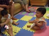 綸與祐一起吃餅乾玩玩具980719:1257765802.jpg