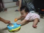 綸綸與妮寶搶玩具980804:1671378040.jpg