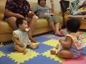 綸與祐一起吃餅乾玩玩具980719:1257765809.jpg