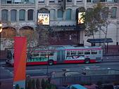 20031110舊金山(Napa valley):DSC01062(HollidayInn白天窗外街景-1).JPG