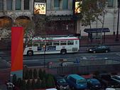 20031110舊金山(Napa valley):DSC01064(HollidayInn白天窗外街景-3).JPG