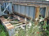 鐵道紀念物或遺跡:省鐵縱貫線內湖川橋北岸廢棄鋼樑