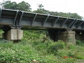 鐵道紀念物或遺跡:新舊橋腳併用之鳳山崎橋