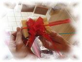 包裝類,圓形紗袋-紫,紅,粉紅,金黃,白,橘色,手提禮盒組,手提禮盒,配件提袋,手拉花,手提禮品:再將手拉花後的二條綁住要裝飾的物品