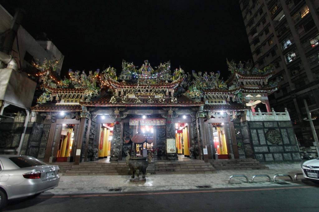 台中廣天宮.JPG - 台中市廣天宮五路財神廟神像之美