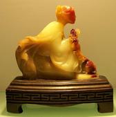 精美雞血石:裸體玉美人2.jpg