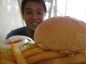 98_07_13芒果冰跟大漢堡:IMG_3702.JPG