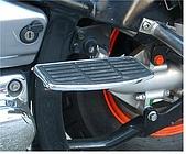 重型機車全配備改裝 :後座踏板.JPG
