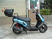 機車行李箱:X-HOT裝夏德40型.JPG