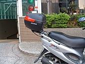 機車行李箱:奔騰裝夏德33型.JPG