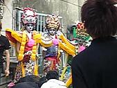 2009年2月15日關山高山嚴福德宮進香照(回程時):六叔朋友聖軍會在六叔工廠時3.JPG