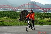 071216-淡水單車半日遊: 關渡宮與後方的關渡橋