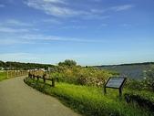 風景:湖畔の道.jpg