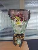 魏家全家福:1001123結婚五週年(木婚)送給老蒨的花.jpg