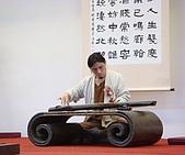 小茶師~禪茶表演:學習太極導引多年的斲琴師劉繕維堅持承接傳統技藝「絲弦