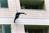 T.I.E.R-台湾國際緊急救難總隊 小飛俠:大樓下降運用3.jpg