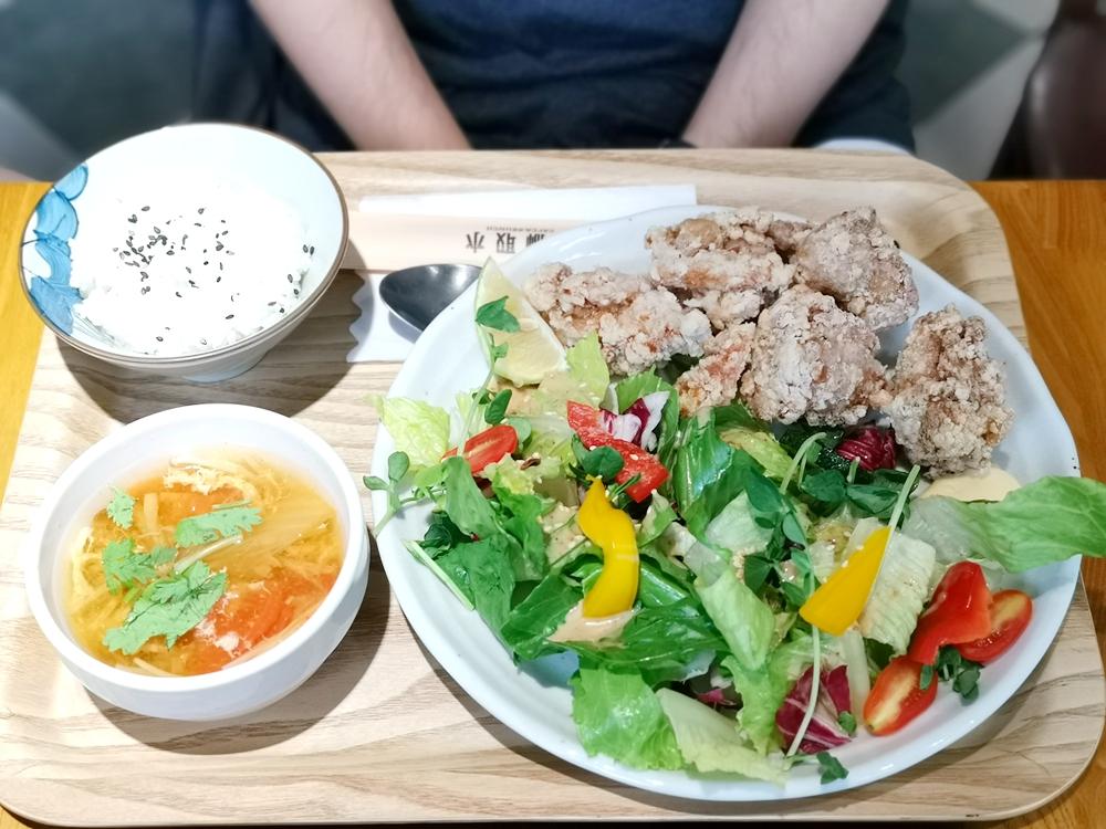 金獅取水,店名具有文化意涵、餐點與環境都有一定水準的餐廳