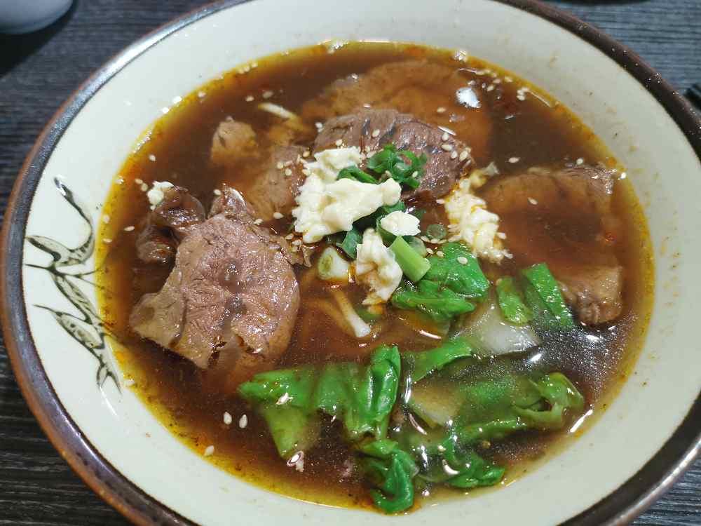 麵麵牛肉麵,湯頭好,評價超高的牛肉麵