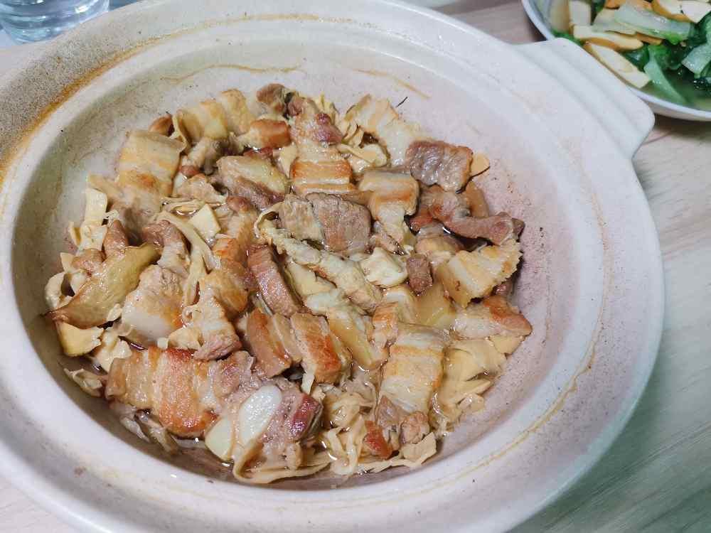 筍乾控肉/筍絲燒肉/筍乾/五花肉/艾多美薄鹽醬油/食譜