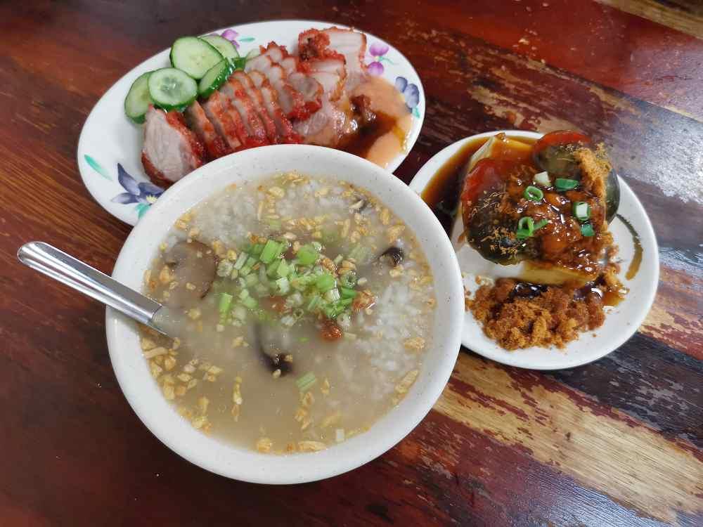 板橋人的深夜食堂,無名香菇肉粥,雞肉飯、紅燒肉都深受歡迎