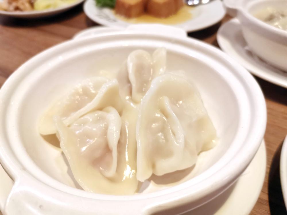 KIKI餐廳,老皮嫩肉相當美味,蒼蠅頭水餃超有特色
