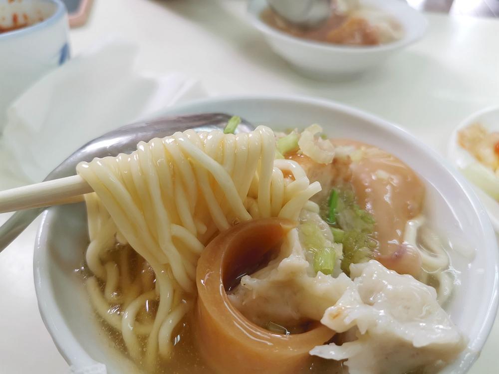芝山蚵仔煎 魷魚肉羹,脆皮蚵仔煎好吃~