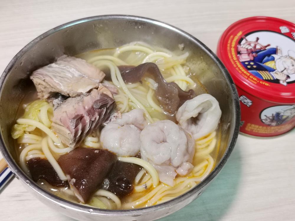 茄汁鯖魚麵/鯖魚麵/颱風天/茄汁鯖魚罐頭