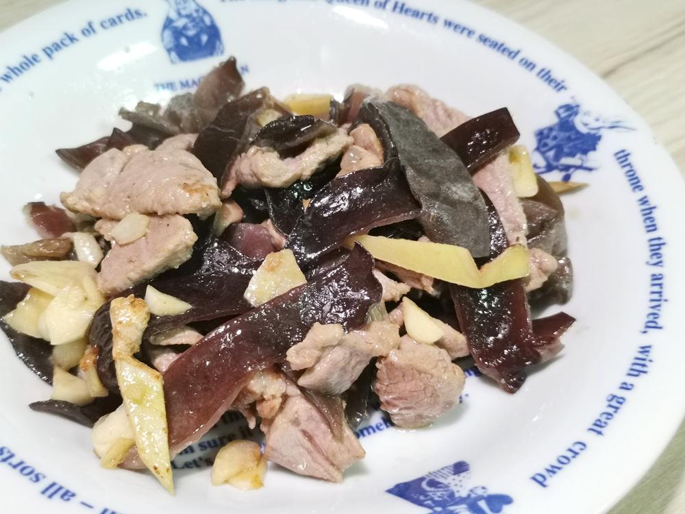 黑木耳炒肉/木耳肉絲/木耳肉片/炒黑木耳/黑木耳炒肉好吃的祕密武器