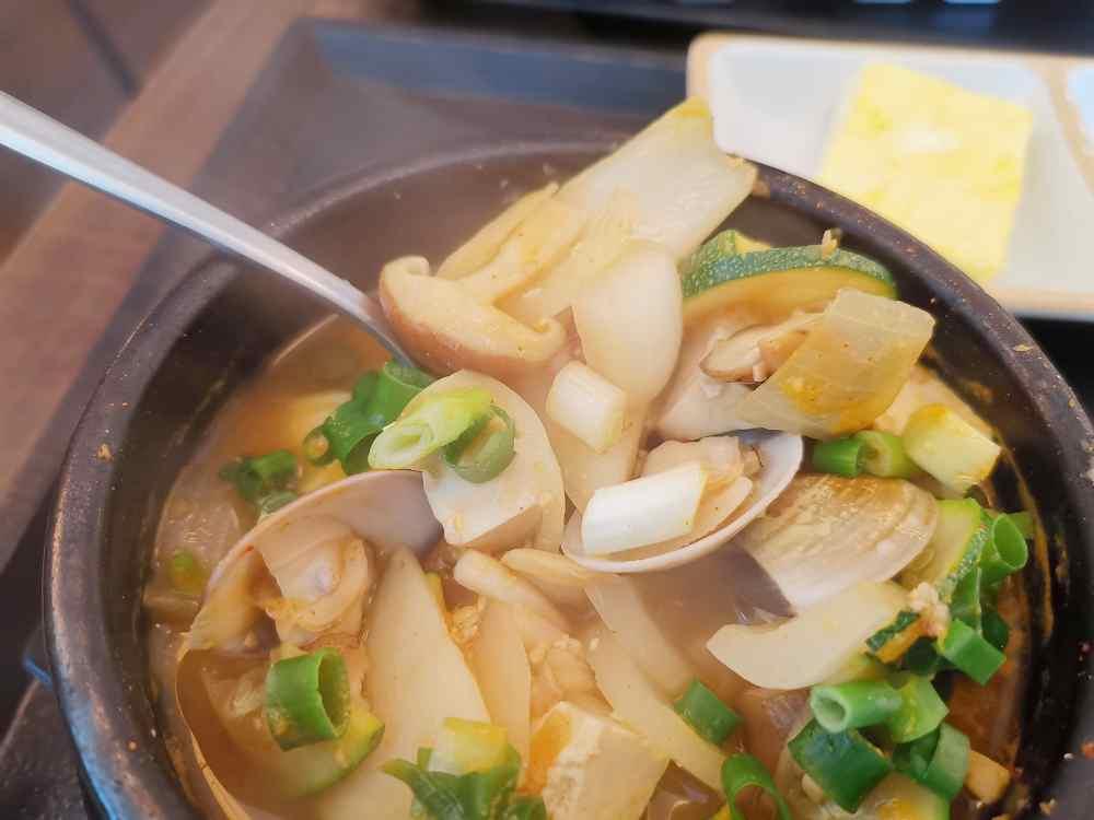韓家正宗韓國料理,商業套餐相當超值,味道真的讓我一秒到韓國啊!