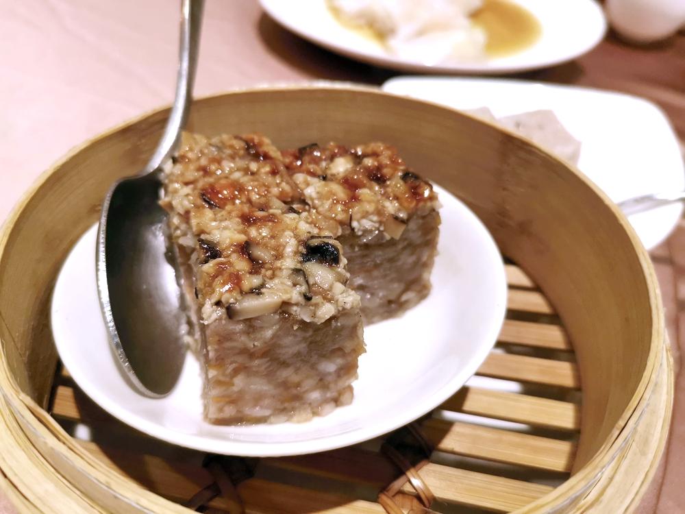 世貿國際會館翠庭烤鴨三吃,真心推薦,太美味了!香茜皮蛋魚片湯必點~
