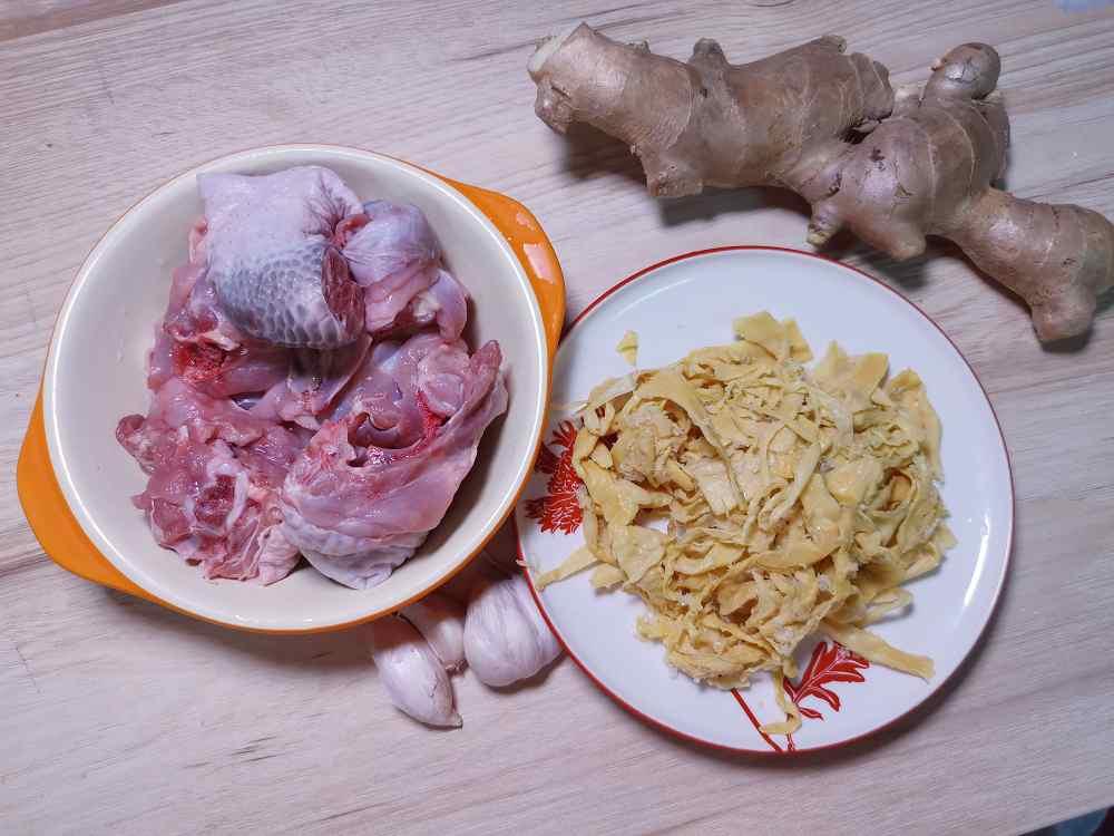 筍乾雞湯/雞肉食譜/筍乾食譜