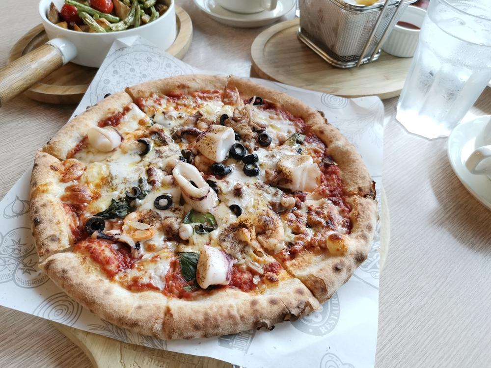 8818比薩屋,PIZZA與炸雞都超有水準!