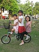 990410公園騎腳踏車:IMG_2408.JPG